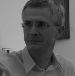 prof. UAM dr hab. Krzysztof Kozłowski